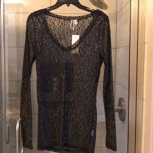 V neck black long sleeve size L